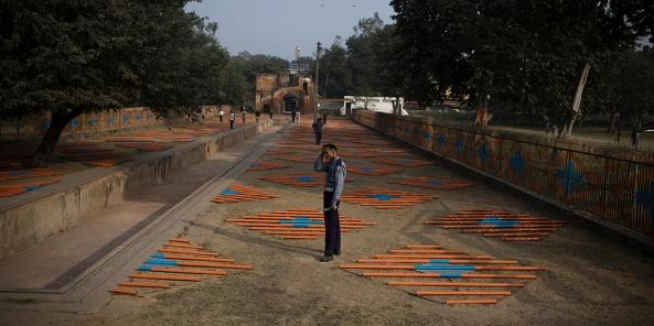 Mary Miss, Roshanara's Net, 2008. 48 Degrees Celsius. Public. Art. Ecology, Delhi. Image courtesy of Sanjit Das and Khoj International Artists' Association..jpg