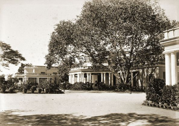 Rashtrapati Nilayam, Hyderabad, then Residency House circa 1892.jpg