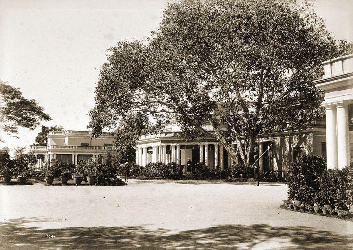 Rashtrapati Nilayam, Hyderabad, then Residency House circa 1892.jpg